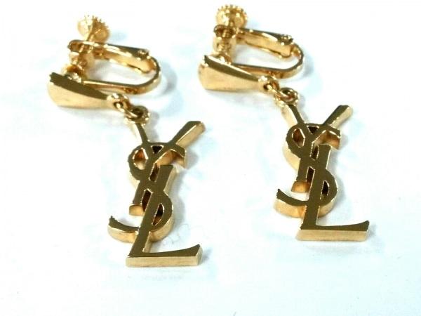 イヴサンローラン イヤリング美品  金属素材 ゴールド ロゴモチーフ