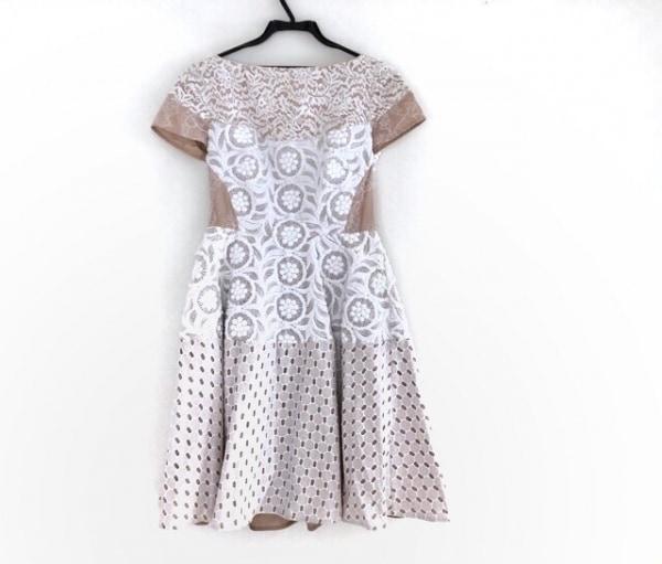 ヌメロ ヴェントゥーノ ワンピース サイズ40 M レディース美品  白×ベージュ 刺繍
