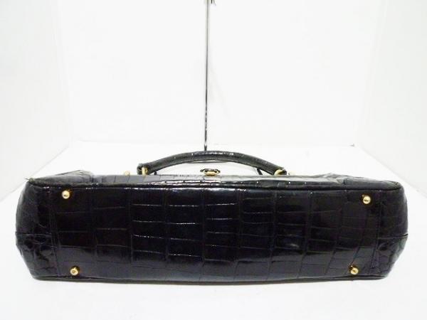 madler(マドラー) ハンドバッグ 黒 型押し加工 エナメル(レザー)