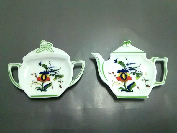 RAYNAUD(レイノー) 食器新品同様  白×グリーン×マルチ 小皿×2 陶器