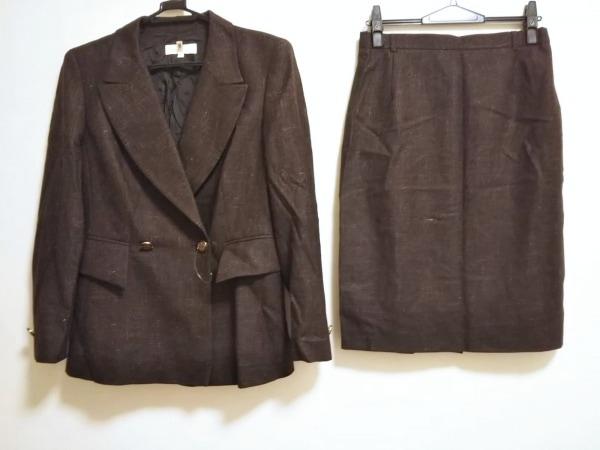 エスカーダ スカートスーツ サイズ40 XL レディース美品  ダークブラウン 肩パッド
