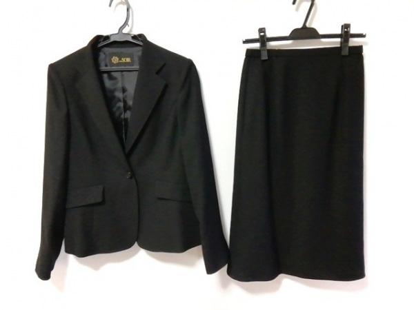 Tokyo Soir(トウキョウソワール) スカートスーツ サイズ9 M レディース新品同様  黒