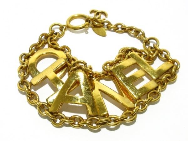 CHANEL(シャネル) ブレスレット 金属素材 ゴールド ロゴ