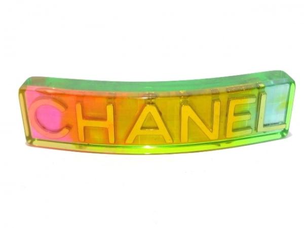 シャネル バレッタ美品  プラスチック×金属素材 グリーン×マルチ ホログラム