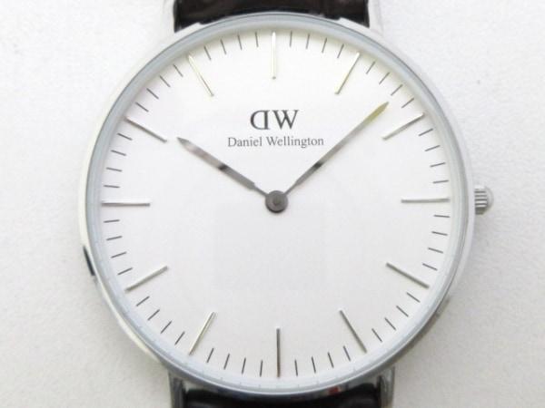 ダニエルウェリントン 腕時計美品  レディース 革ベルト/型押し加工 白