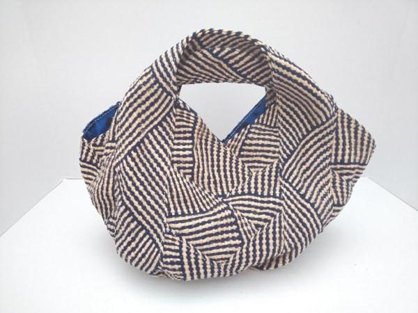 TRENTA SEI(トレンタセイ) トートバッグ美品  ベージュ×ダークネイビー 編み込み 麻