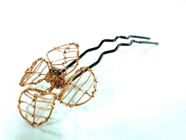 コレットマルーフ アクセサリー美品  金属素材 黒×ゴールド かんざし