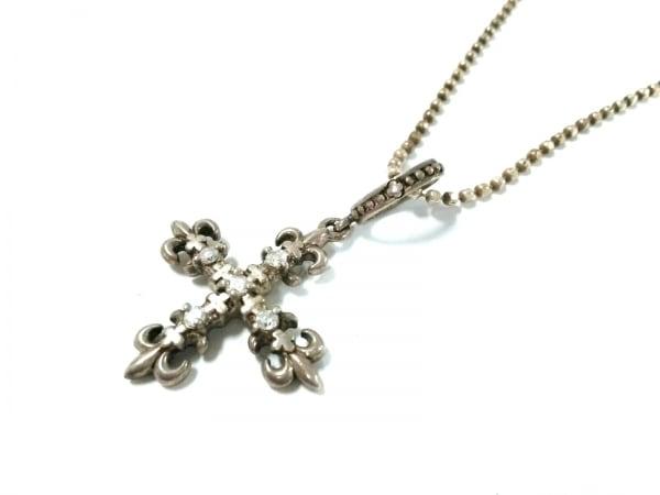 AHKAH(アーカー) ネックレス美品  シルバー×ダイヤモンド クロス/0.1カラット
