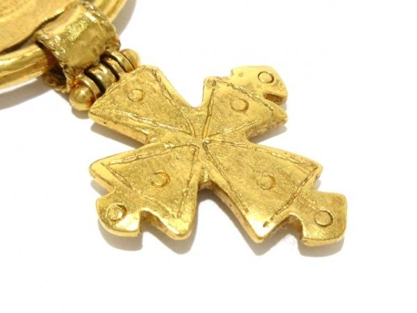 CHANEL(シャネル) ブローチ美品  金属素材 ゴールド ココマーク/クロス
