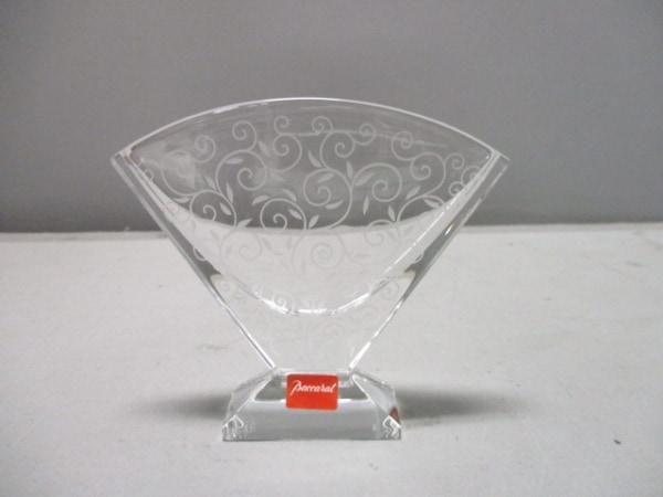 Baccarat(バカラ) 小物新品同様  クリア×白 花瓶 クリスタルガラス