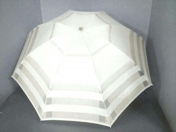 Burberry(バーバリー) 折りたたみ傘美品  ベージュ 化学繊維
