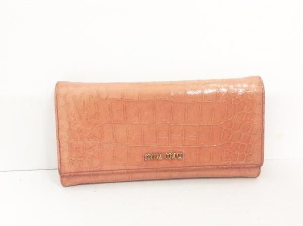 miumiu(ミュウミュウ) 長財布 - ブラウン 型押し加工 エナメル(レザー)