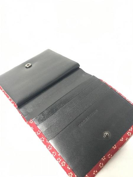 印傳屋(インデンヤ) 2つ折り財布美品  レッド×アイボリー がま口/花柄 レザー×漆