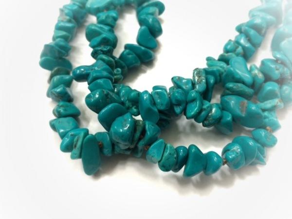 Shu mu(シュム) ネックレス美品  カラーストーン×プラスチック×金属素材 3連