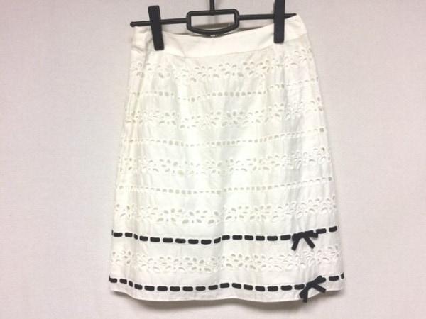 M'S GRACY(エムズグレイシー) スカート サイズ38 M レディース美品  白 刺繍/リボン