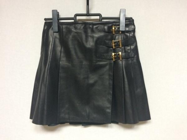 エミリオプッチ ミニスカート サイズ38 S レディース美品  黒 ラムレザー/プリーツ