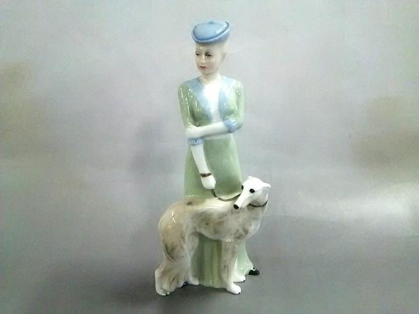 ROYAL DOULTON(ロイヤルドルトン) 小物美品  ライトグリーン×白×マルチ 置物 陶器
