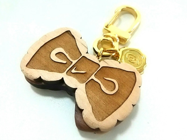 Q-pot.(キューポット) キーホルダー(チャーム)美品  ブラウン×ゴールド リボン