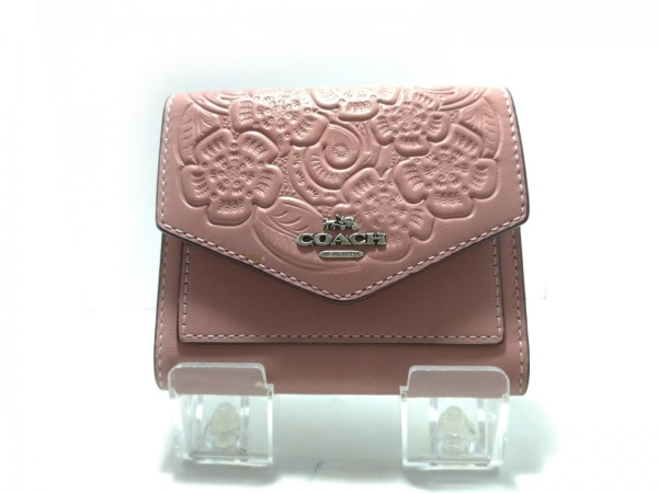 COACH(コーチ) 3つ折り財布 - 12772 ピンク フラワー/型押し加工 レザー