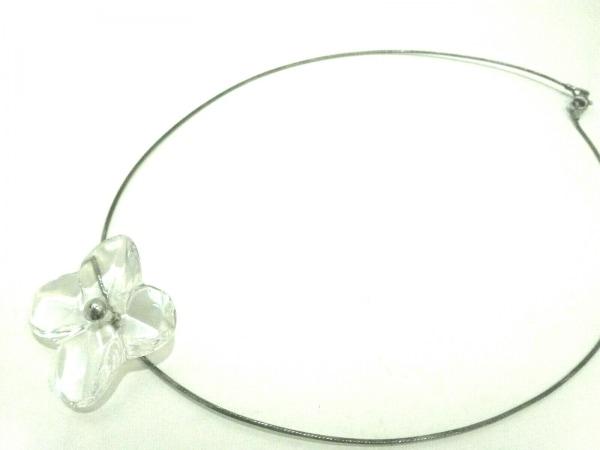 バカラ チョーカー美品  クリスタルガラス×金属素材 クリア×シルバー フラワー