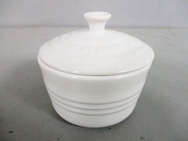 LE CREUSET(ルクルーゼ) 食器新品同様  白 ココット 陶器