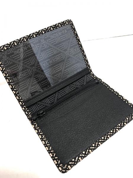 印傳屋(インデンヤ) パスケース新品同様  黒×ベージュ パスケース付き レザー×漆