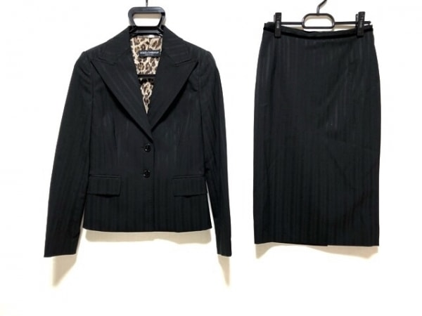 ドルチェアンドガッバーナ スカートスーツ レディース美品  黒 ストライプ/肩パッド