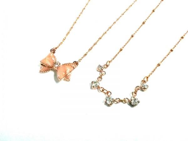 ジルスチュアート ネックレス美品  金属素材×ラインストーン リボン/2点セット