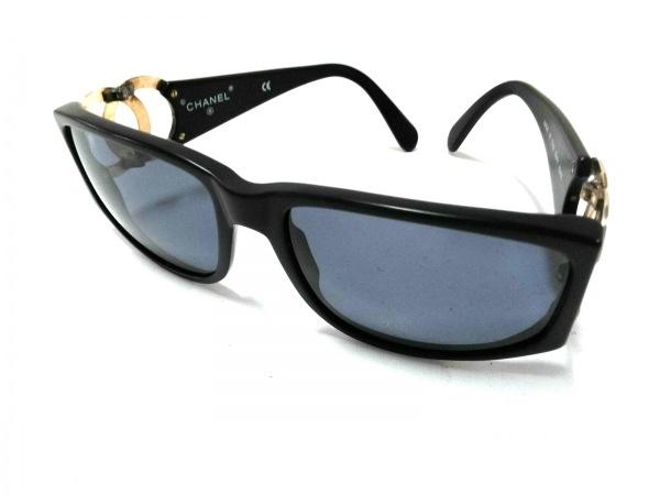 シャネル サングラス 02461 90405 黒×ゴールド ココマーク プラスチック×金属素材