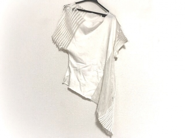 ISSEYMIYAKE(イッセイミヤケ) 半袖カットソー サイズ2 M レディース 白