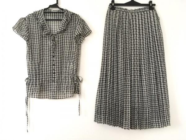 INGEBORG(インゲボルグ) スカートセットアップ レディース美品  白×黒