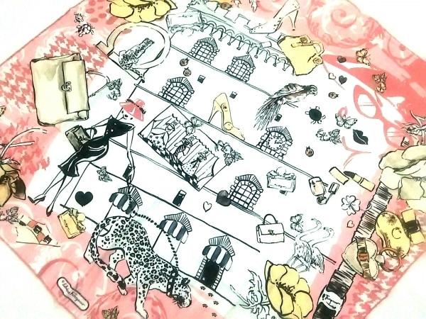 SalvatoreFerragamo(サルバトーレフェラガモ) スカーフ新品同様  ピンク×白×マルチ