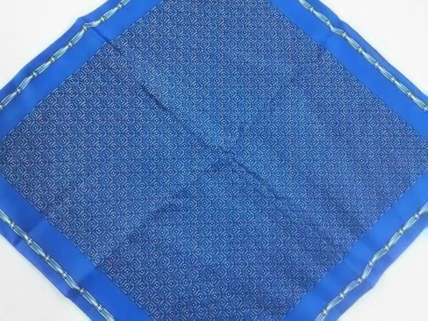ZILLI(ジリー) スカーフ新品同様  ネイビー×マルチ シルク