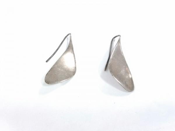 JOAQUIN BERAO(ホアキンベラオ) ピアス 金属素材 シルバー