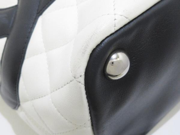 CHANEL(シャネル) トートバッグ カンボンラインラージトート 白×黒 ラムスキン