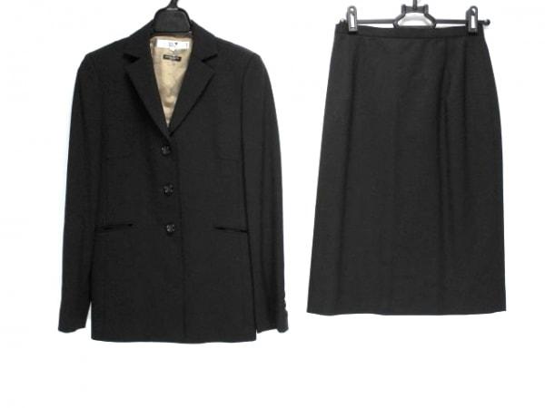 23区(ニジュウサンク) スカートスーツ レディース 黒
