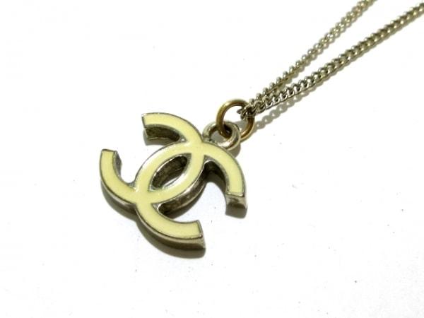 CHANEL(シャネル) ネックレス 金属素材 ゴールド×アイボリー ココマーク