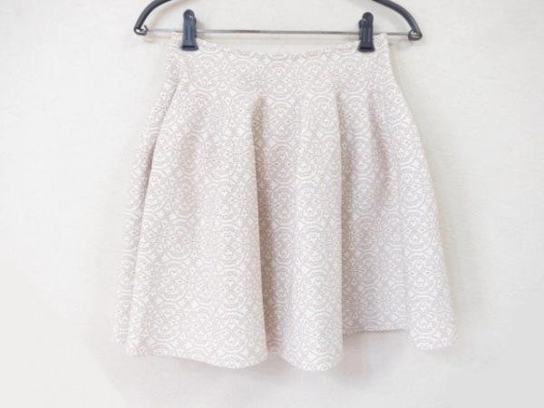 ALAIA(アライア) ミニスカート サイズ38 M レディース美品  白×ベージュ ラメ