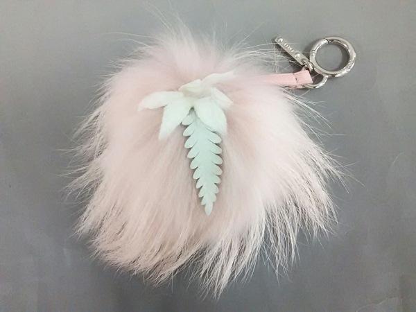 フェンディ キーホルダー(チャーム)美品  ピンク×白 ファー/フラワー ファー×レザー