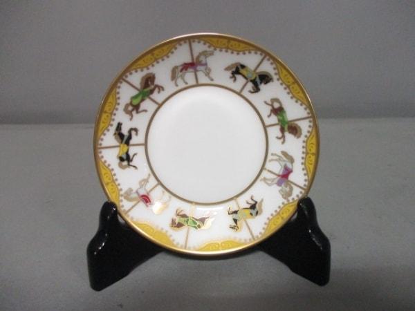 オオクラチャイナ 小物新品同様  白×ゴールド×マルチ 飾り皿/回転木馬 陶器
