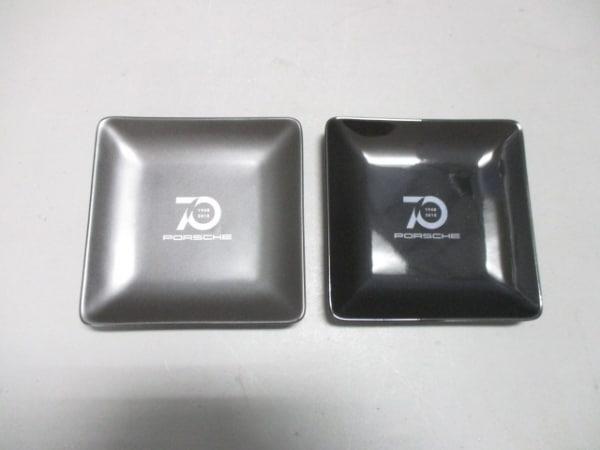 ポルシェ プレート新品同様  黒×ダークグレー ポルシェ70周年記念/2点セット 陶器
