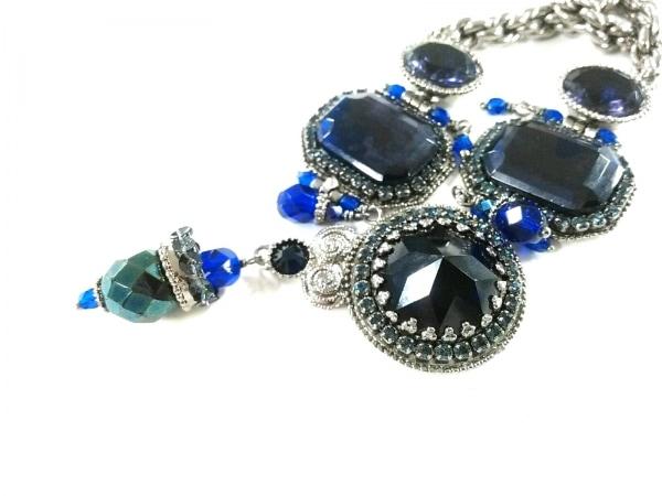 サテリット ネックレス美品  金属素材×ラインストーン シルバー×パープル×ブルー