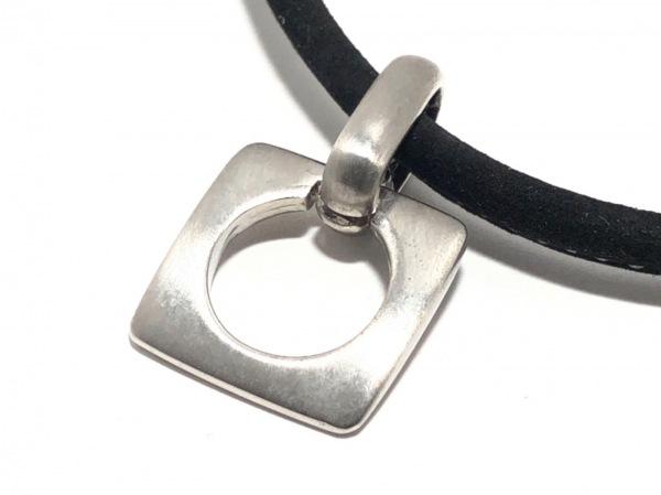 MOSCHINO(モスキーノ) ネックレス美品  金属素材×レザー 黒×シルバー