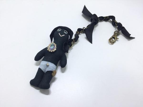 デモデ キーホルダー(チャーム) 黒×ライトブルー×マルチ 化学繊維×ラインストーン