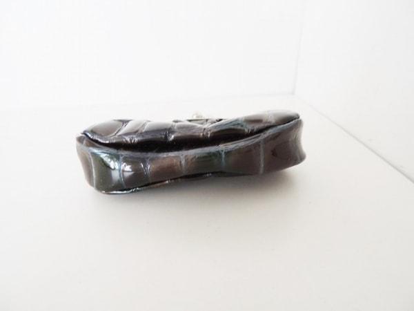 コッコフィオーレ コインケース 黒×シルバー がま口 エナメル(レザー)×金属素材