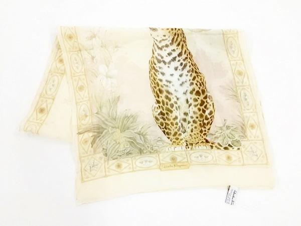 サルバトーレフェラガモ スカーフ美品  ベージュ×ピンク×マルチ