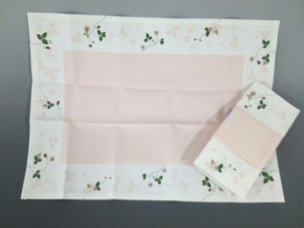 ウェッジウッド 小物新品同様  ワイルドストロベリー 白×ピンク×ダークグリーン