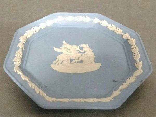 ウェッジウッド 小物美品  ジャスパー ライトブルー×白 飾り用ミニプレート 陶器