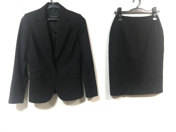 M-PREMIER(エムプルミエ) スカートスーツ レディース美品  黒