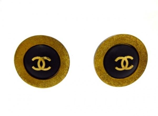CHANEL(シャネル) イヤリング 金属素材×プラスチック ゴールド×黒 ココマーク